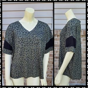 Maurices Top xl womans v neck